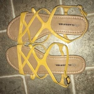 City Classified Yellow Sandals, Size 7